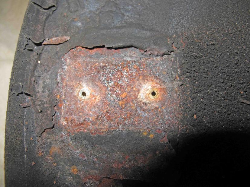 Name:  cowl - failed rivets.jpg Views: 337 Size:  97.3 KB